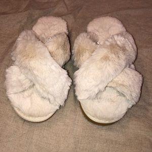 NWOT INC furry slippers